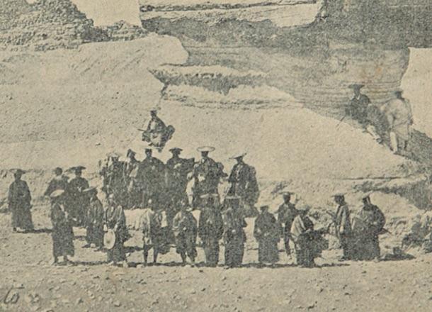 150年前にエジプトのスフィンクス前で記念撮影する日本の武士たち ...